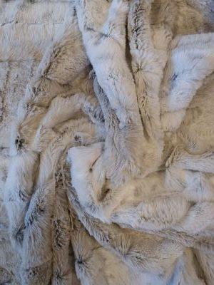 Tela de Pelo Sintético Crudo y Gris (Leopardo Albino)
