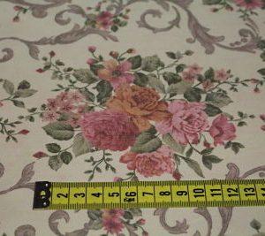 Viella Estampada Digital Rosas sobre Crudo
