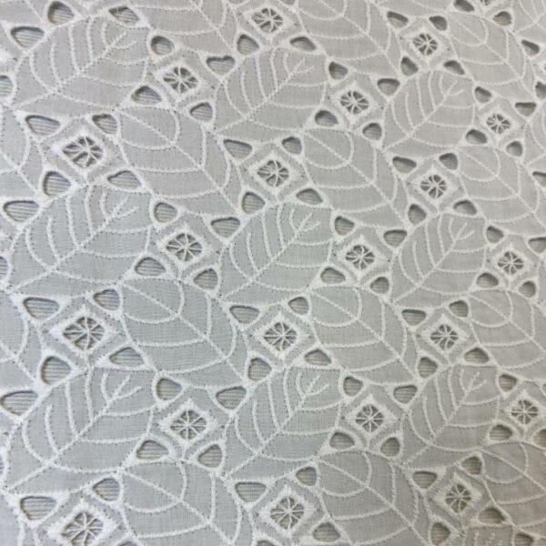 Batista hojas perforadas blanco roto